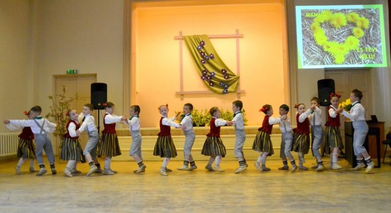 Sabiles pamatskola_Mates dienas koncerts_2019_10 maijs (2)
