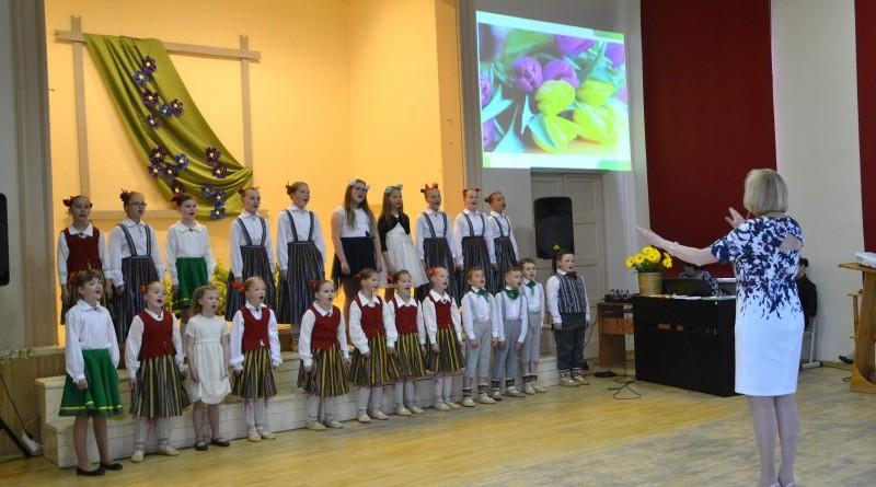 Sabiles pamatskola_Mates dienas koncerts_2019_10 maijs (4)