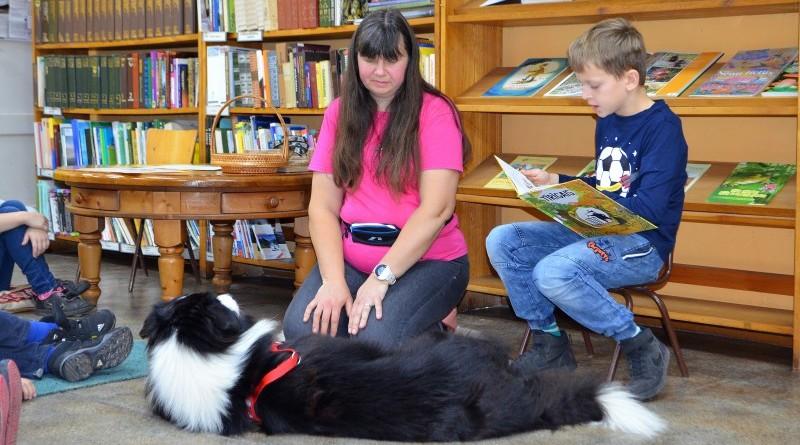 Sabiles bērnu bibliotēka_Ciemos Agrita Predīte un suns_2019_16 oktobris (6)