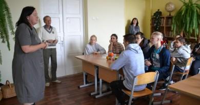 Sabiles pamatskolas skolēni domā par dabas resursu saudzīgu izmantošanu