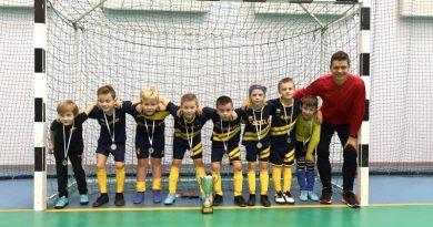 Talsu novada sporta skolas futbolisti izcīna 2. vietu Kurzemes čempionātā futbolā telpās U10 Elites grupā