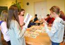 """Sabiles pamatskola: """"Mēs mīlam Latviju"""""""