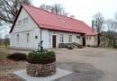Sapņi tomēr piepildās – Sabiles veco ļaužu namam uzlikts jauns jumts