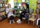Sabiles bērnu bibliotēkas darbinieces Rudīte Matisone un Elīna Stariņa šonedēļ stāsta pasakas televīzijā